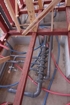 排水ヘッダー