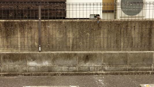 擁壁で地盤を嵩上げ1m